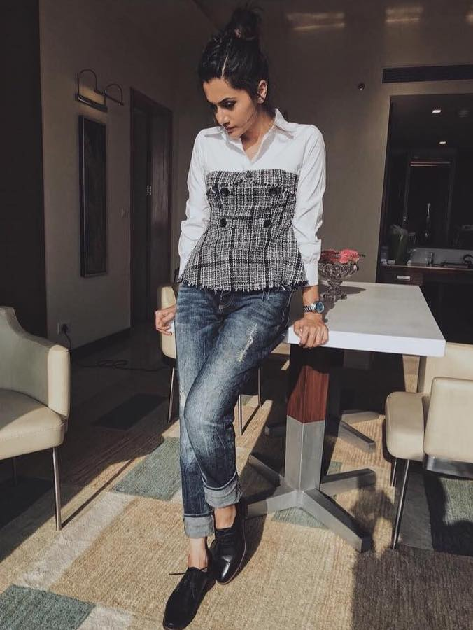 taapsee pannu hard to get dress up date