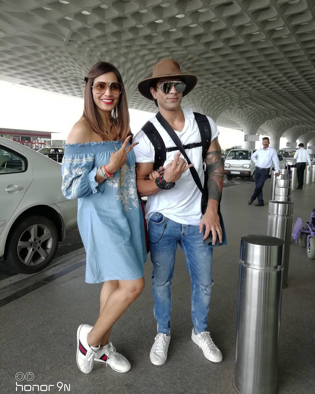 2 karan singh grover - at airport with bipasha basu