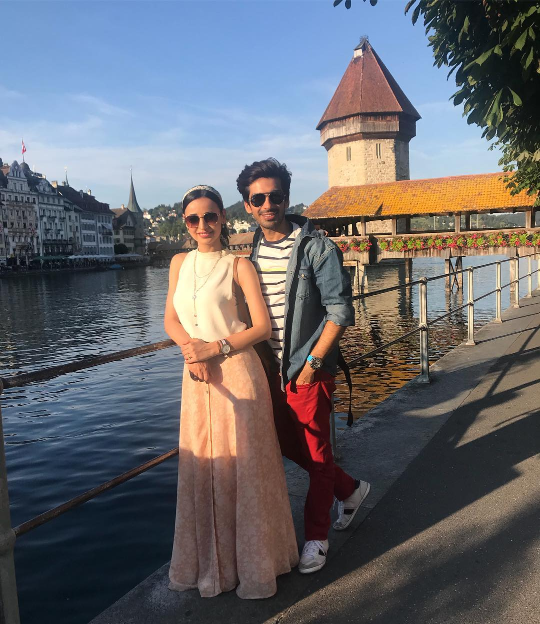 8 sanaya irani - sun kissed photo in switzerland
