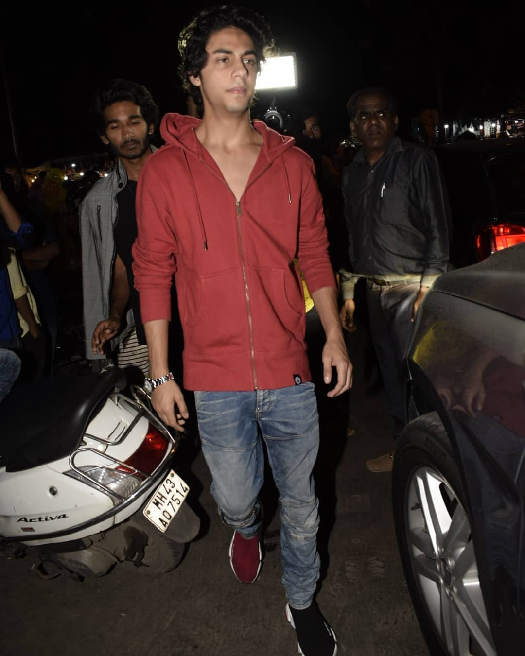 3 aryan khan - birthday party bastian mumbai