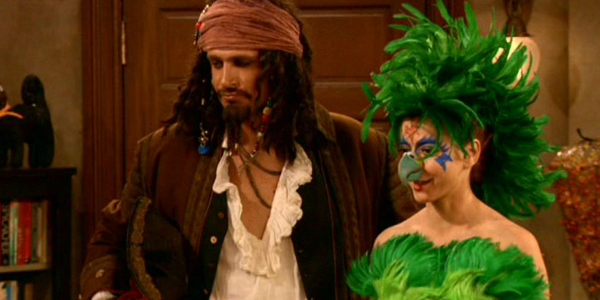 5-halloween-jack-sparrow-parrot-lily-marshal-himym