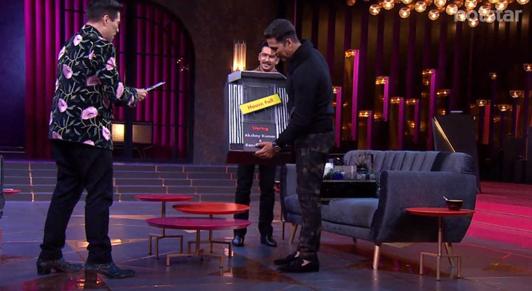 Koffee With Karan - Winning the hamper Akshay Kumar and Ranveer Singh