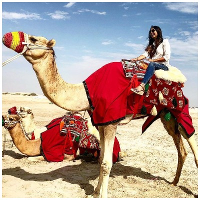 pooja-banerjee-riding-camel