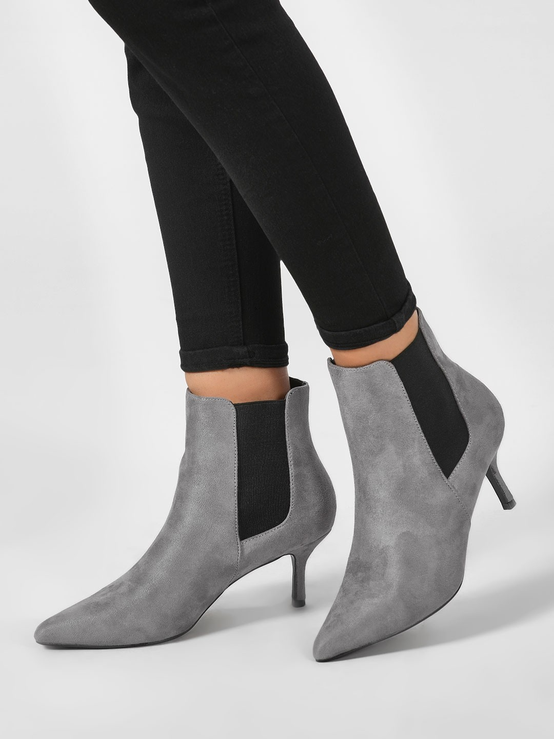 20-types-of-boots-Kitten-Heel-Chelsea-Boots