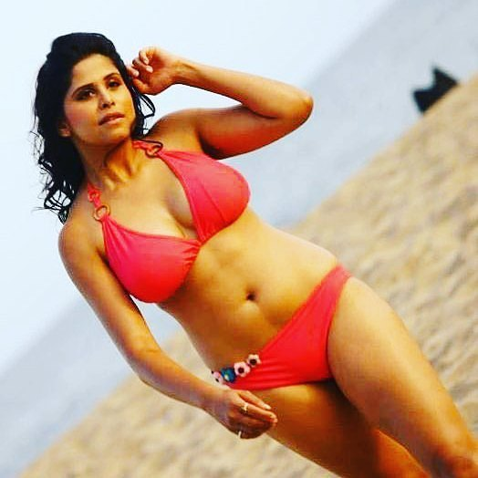 marathi-hot-actress-sai3