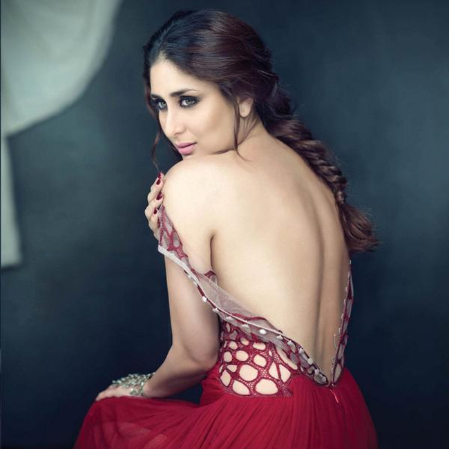 kareena-kapoor-khan-poses-in-hot-backless-outfit-201610-1476703282