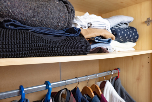 4-cleaver-hacks-to-organize-your-wardrobe-neatly Closet-Clothes