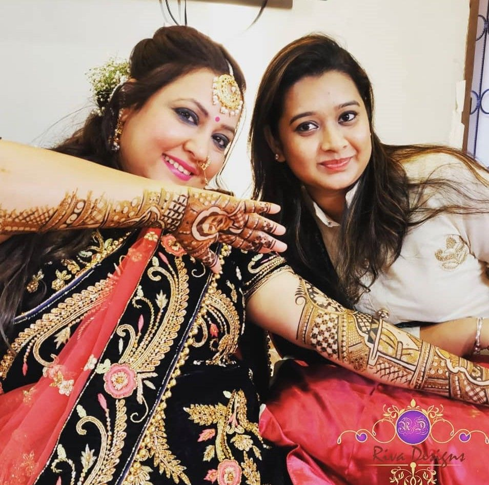 Surbhi-Tiwari-shagun-mehndi-photos
