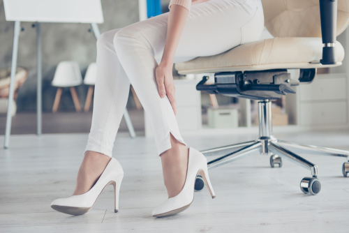 dressing-tips-for-women-for-business-meeting 04