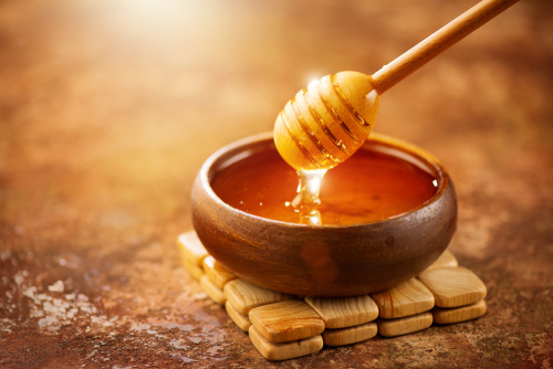 6-effective-home-remedies-to-get-rid-of-razor-bumps honey