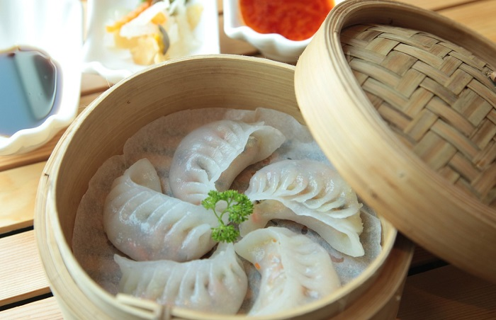 chinease-dim-sum-and-momos