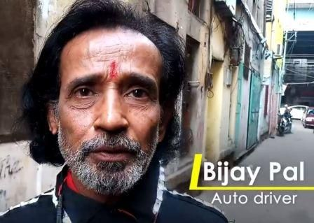 this-envioronment-friendly-auto-driver-has-a-bizzare-way-to-save-greens 03
