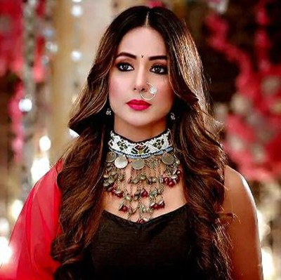 Hina Khan trapped in Cyber Crime 1