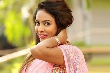 sri-reddy-apologizes-to-her-mother-on-mothers-day004