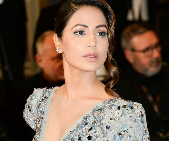 Hina Khan at Cannes red Carpet 5