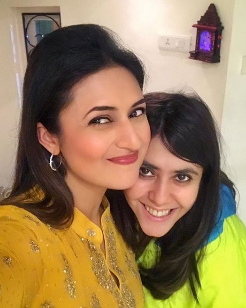 Divyanka and Ekta Cold War 5225056