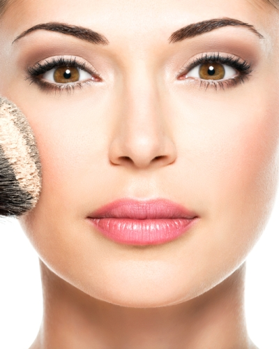 #BeautyHacks: Humidity Ruining Your Makeup? Here's What You Gotta Do!