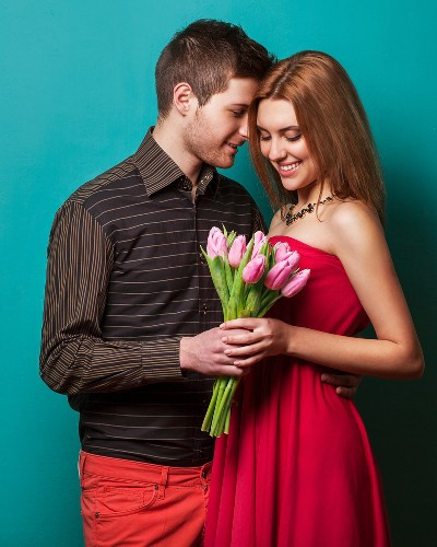 10 Signs He Is Only Interested in Hooking Up!