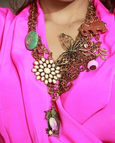 Amp It Up: How to Make a Statement with Your Accessories!