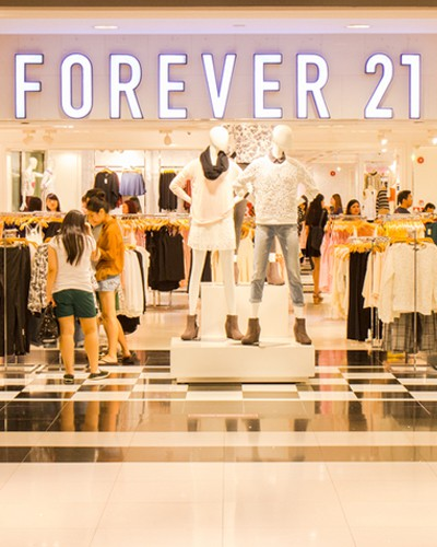 30 Thoughts Every Girl Has When She Walks Into Forever 21!