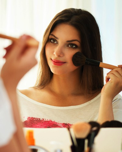 #CheatSheet: How To Fake Full Makeup In Just 5 Minutes!