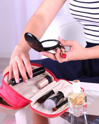The Only 7 Multitasking Makeup Products You Need In Your Bag!
