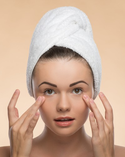 FINALLY! How To Get Rid Of Those Stubborn Dark Circles!