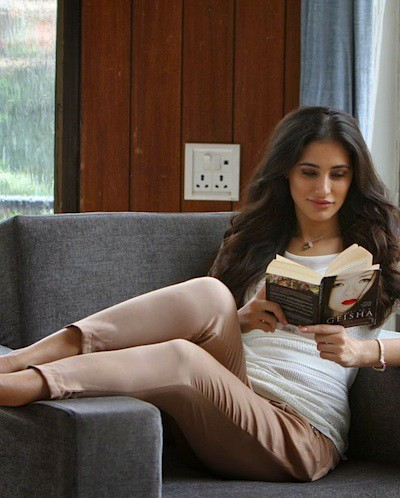 #IFeelGood: 13 AWESOME Books To Curl Up With On A Rainy Day!