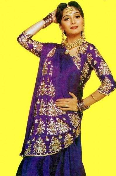 bollywood outfit 6
