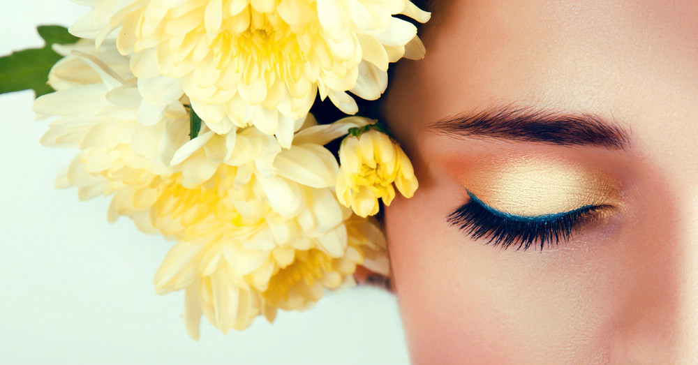 """How To Rock Coloured Eyeliner (Without Looking """"Over The Top"""")"""