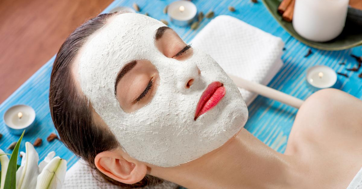 6 Simple Homemade Masks To Make Your Skin Glow!
