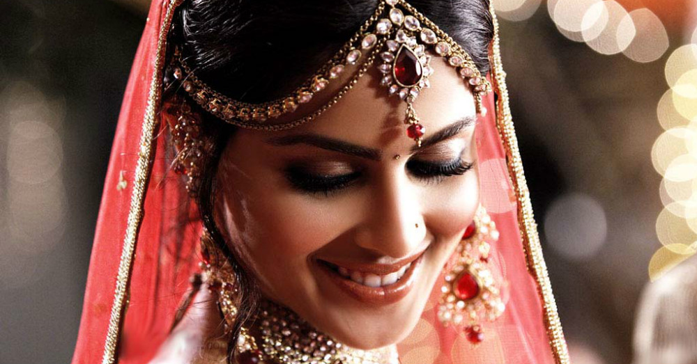 "Is There A ""Right"" Time To Buy The Wedding Lehenga?"