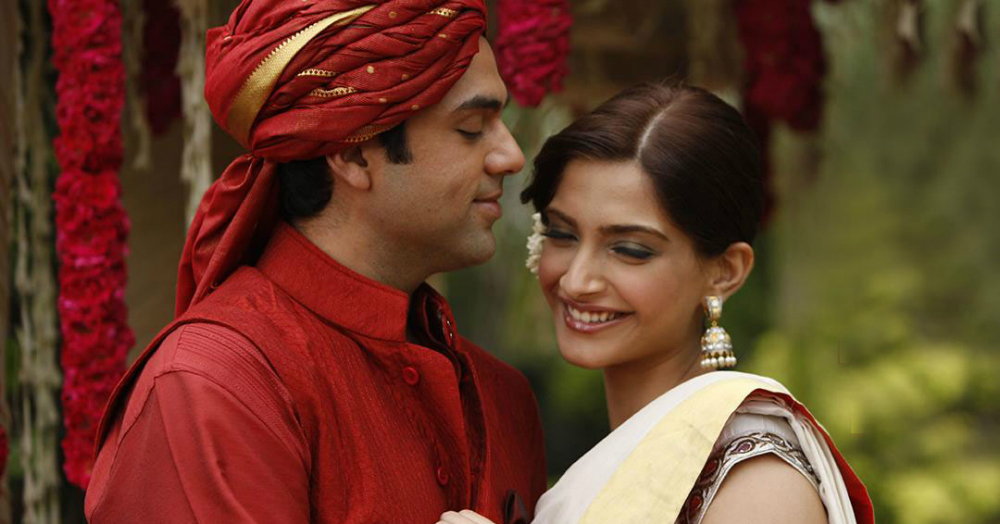 10 Adorable Ways He Supports You In The First Year Of Marriage!