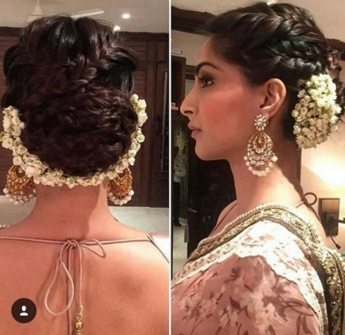 bridal-hairstyle-ideas-with-gajra