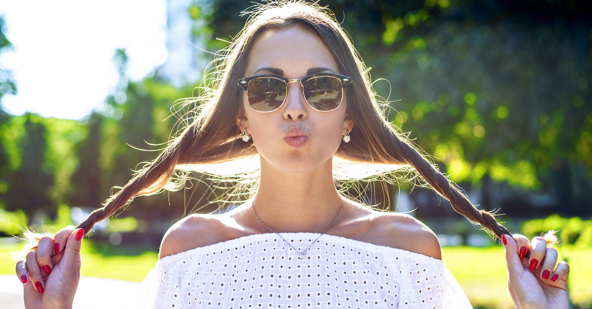 7 Simple Fashion Tricks To Avoid 'Sweaty' Problems In Summer!