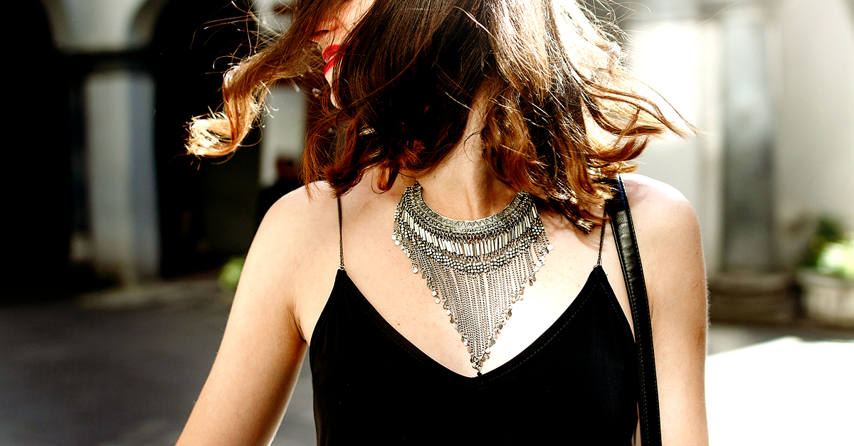 15 AMAZING Necklaces To Make A Statement - All Under Rs 500!