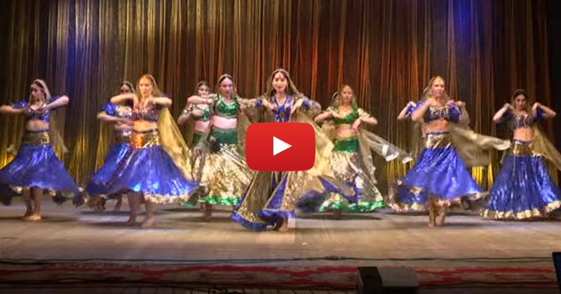 """These Girls Dancing To """"Chammak Challo"""" Will Make You Go WOW!"""