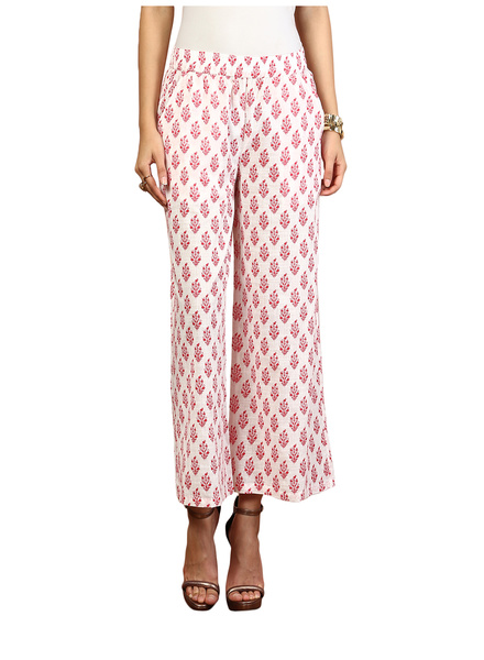 2 comfy pants for your period