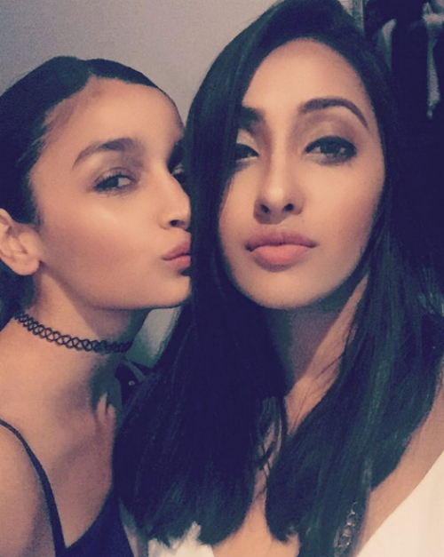 8 alia bhatt and her friends