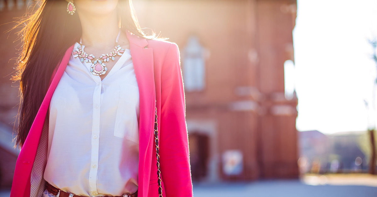 10 Fashion Staples That *Every* Girl Should Invest In!