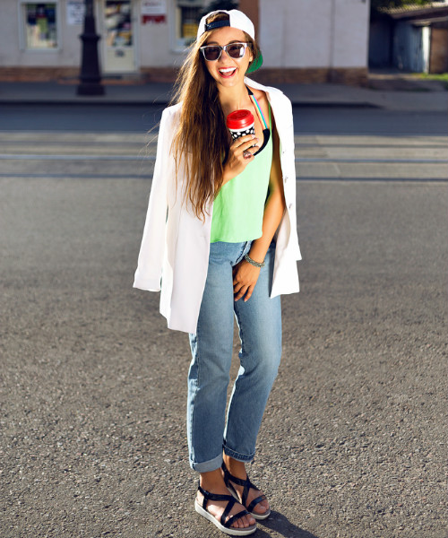 1 ways to wear your jeans (1)