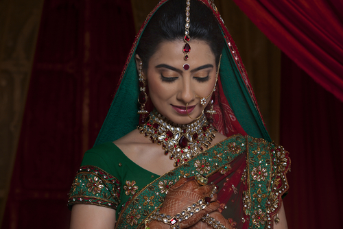 1 wedding makeup with your bridal outfit