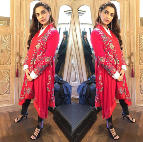 12. sonam kapoor outfits