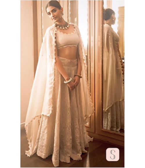 5. sonam kapoor outfits