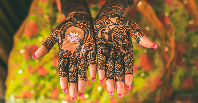 10 Beautiful Mehendi Designs for Brides That Are Just. Too. Pretty!