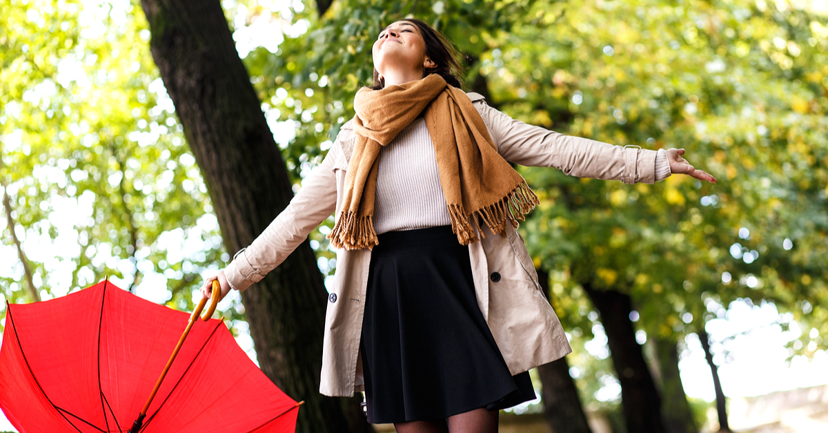 10 Things EVERY Girl Does… But Wishes She Didn't Have To!