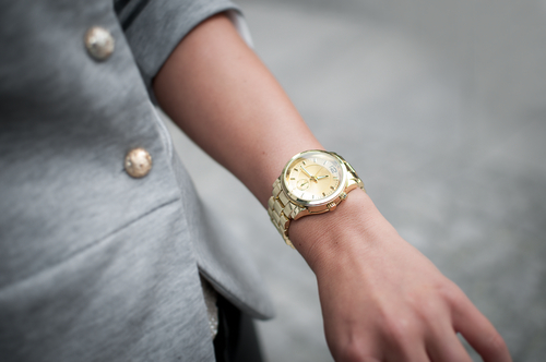 10 accessories every girl should have