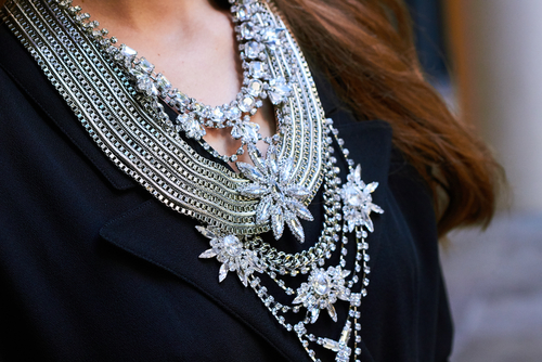 5 accessories every girl should have