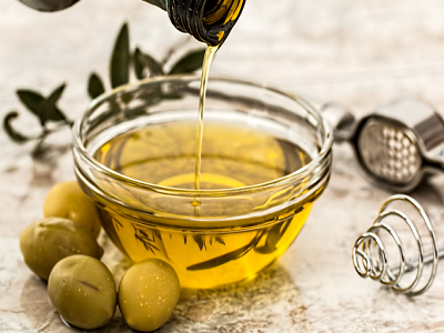 castor-oil-naturally-straight-hair-at-home