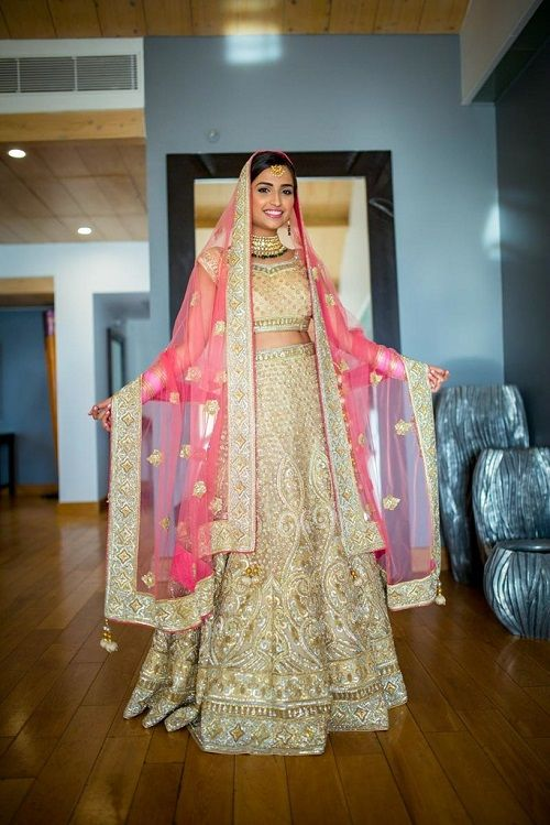 1 lehenga colours for a day wedding